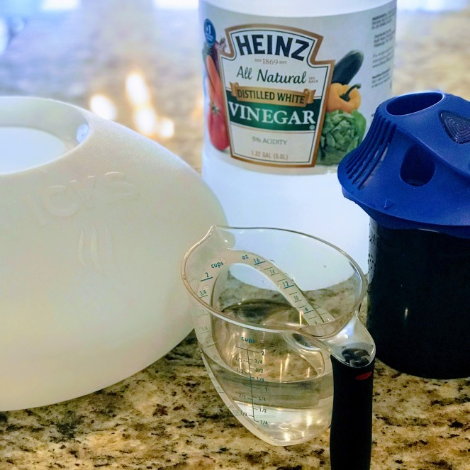 square - cleaning humidifier